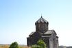 Зодчий воздвиг церковь на суровом утёсе, также сурова и её архитектура, которую оживляет лишь обрамление южной двери, выполненное в крупных формах. К этому ...