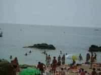 Левый берег основного пляжа (Platja de Lloret)