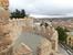Остались записи о том, что под руководством мастеров Casandro Colonio и  Florín de Pituenga над строительством стены трудились от 1900 до 3000 рабочих.