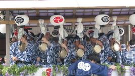 Парад цветочных зонтиков. Музыканты