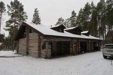 Путь в Кижи через Медвежьегорск. Отель неказистый снаружи, но очень комфортный внутри.