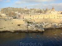У многих городов есть свой стиль. Париж белый камень, Прага красные крыши, Валетта вот такого цвета вся!
