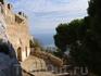 Боковой вид на северное побережье острова и Средиземное море.