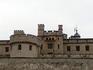 Стены Тауэра. Башенка с флагом - одна из башенок той самой Wite Tower, которая была построена самой первой и которая дала название всей крепости. Точная ...
