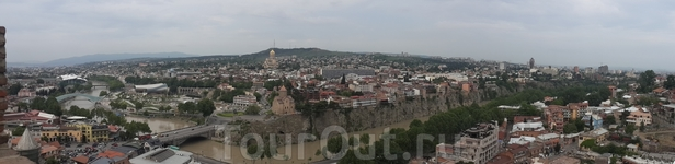 Панорама Тбилиси с высоты крепости Нарикала.