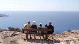 Капо Греко - небольшая гора на самом юго-восточном мысе острова - одно из мест, которые было очень приятно посетить - шикарный вид на море с достаточно приличной высоты.... на склонах горы - рощи каки