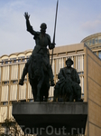 подарок испанцев бельгийскому народу - национальные герои Дон Кихот и Санча Панса