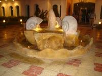 фонтан при отеле