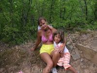 на прогулке на горе Медведь (Аю даг). Мои девочки устали...