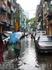 улица рядом с отелем Окинава. Сезон дождей
