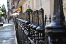 Чугунная ограда - символ Лондона.