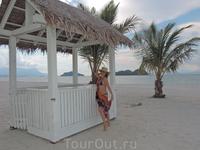 Сделать красивое фото с беседкой и пальмами