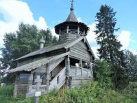 К сожалению, с тех пор ей не уделяли должного внимания, и сегодня древняя церковь медленно разрушается