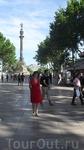 Рамбла заканчивается памятником Колумбу.