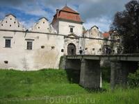 замок в селе Свирж