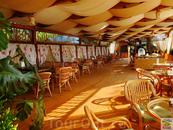 Кафе гостевого комплекса Хуторок, можно заказать любой шашлык.