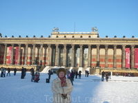 После войны в 1949г.Старая Национальная галерея была открыта одной из первых.С1950г.стали доступны для посетителей части музея Пергамон и музей Боде.а ...