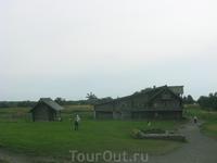 Дом Ошевнева. Снималось от входа в комплекс церквей (главная - церковь Преображения).