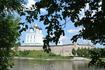 Псков, вид на Кром и Троицкий собор с другого берега реки Великой.