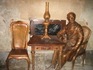 """скульптура посвященная изобретателю газовой лампы возле кафе """"Гасова лямпа"""""""