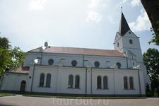 Евангелистско-лютеранская церковь Святого Джонса. Это самое старинное здание города и первый каменный храм в Салдусе. Церковь была возведена в 1615 году ...