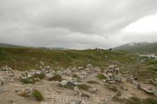 """Скандинавские каменные пирамидки. есть разные версии, что сие значит. в основном, туристы складывают """"на память"""""""