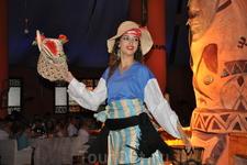 после зоопарка в программу экскурсии входило шоу: ужин+зулусы с их пением-плясками+восточные танцы.