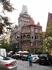 Высокая синагога располагается на улице Parizska, находится в тесном соседстве с Еврейской ратушей и составляет с ней единое целое. Ее название связано ...