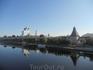 """Я, конечно, фотохудожник от слова """"худо"""", но это фотографией горжусь. Вид на псковский Кром и Троицкий собор с моста через реку Великую."""