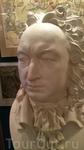 В музее. Это Роман Вилимович Брюс - генерал-майор, возглавивший осаду шведского Кексгольма в 1710 году. Этим подвигом, доставившим Брюсу звание генерал-лейтенанта ...