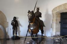 Экспонаты представленные в музее подлинные, датируются 15-16вв.