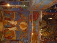 сохранились старинные фрески