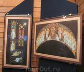 Я не очень уверена, но вроде бы это иконы, которые должны были бы висеть в храме Святого Духа (написано Рерихом).