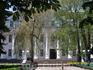 Университет имени Гоголя. Здесь учился Гоголь.