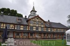 Музей города Осло. Располагается в одном из трёх зданий, образующих традиционное сельское поместье.