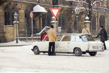 Надо обладать большим чувством юмора, чтобы сделать лимузин из позора немецкого социалистического автопрома)))