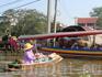 Плавучие рынки считаются в Таиланде национальной достопримечательностью