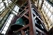 Колокольня Домкерк содержит 50 колоколов. Среди них есть такой гигант, как колокол Сальвадор. Он действительно огромен и величествен. Вес этого чуда почти ...
