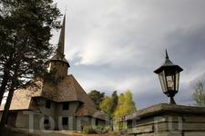 Церковь в деревне Домбас / Dombås