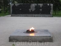 Омск. 120 солдат расстреляны колчаковцами. Им - вечный огонь и посвящен.