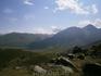 отправная точка спуска в долину Джилы-Су. Пешечком, по узким  горным тропам