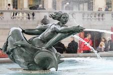 Фонтан на Трафальгарской площади.