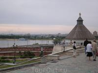 Территория Казанского Кремля.Речка Казанка. Тайницкая башня.