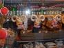 Это магазин-колбаска из козлятинки-пища для гурманов!  Нам не понравилось-выпили по 0,5 л виски-не смогли съесть.