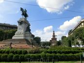 Прогулялись до площади перед замком. Памятник Джузеппе Гарибальди на Piazza Cairoli – значимая достопримечательность Милана. Он является одной из лучших ...