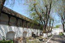 На территории Киево-Печерской Лавры.