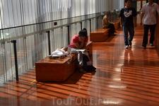 Музей Провинции Гуандун  Можно поспать