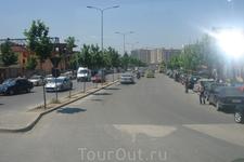 Тирана. На улицах города