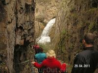 """Медовые водопады; вид на первый водопад """"Жемчужный"""" из """"Тёщиных ребер"""""""