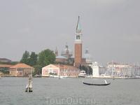Подплываем к Венеции...
